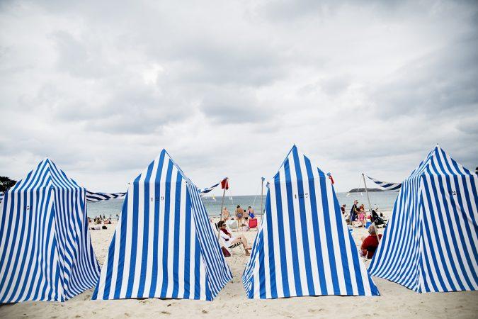 tält på stranden i st malou